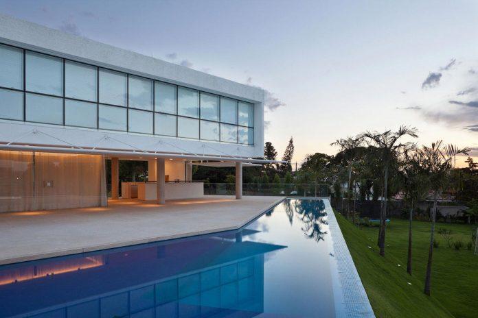 home-designed-young-family-two-small-children-lago-sul-qi-25-brasilia-12