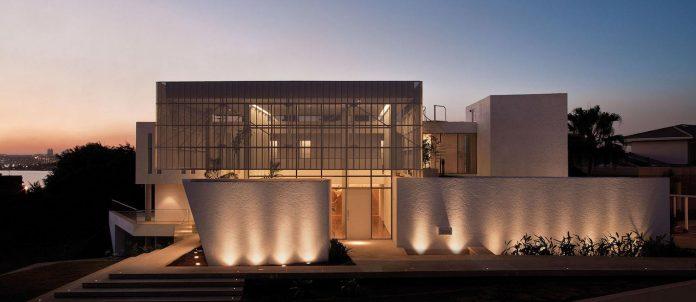 home-designed-young-family-two-small-children-lago-sul-qi-25-brasilia-14