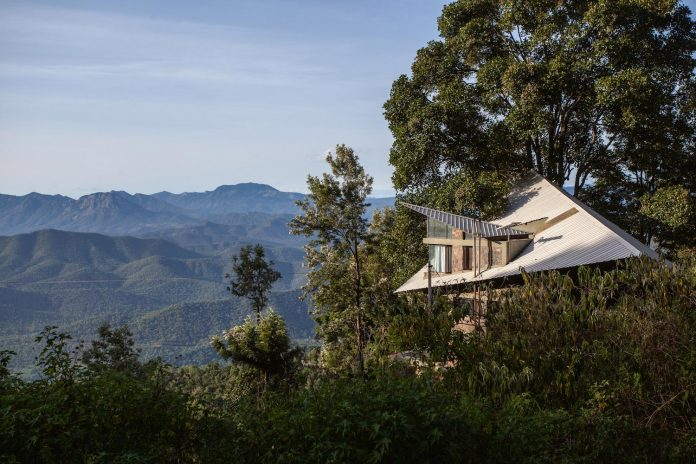 hornbill-house-located-oland-estate-tea-coffee-plantation-02