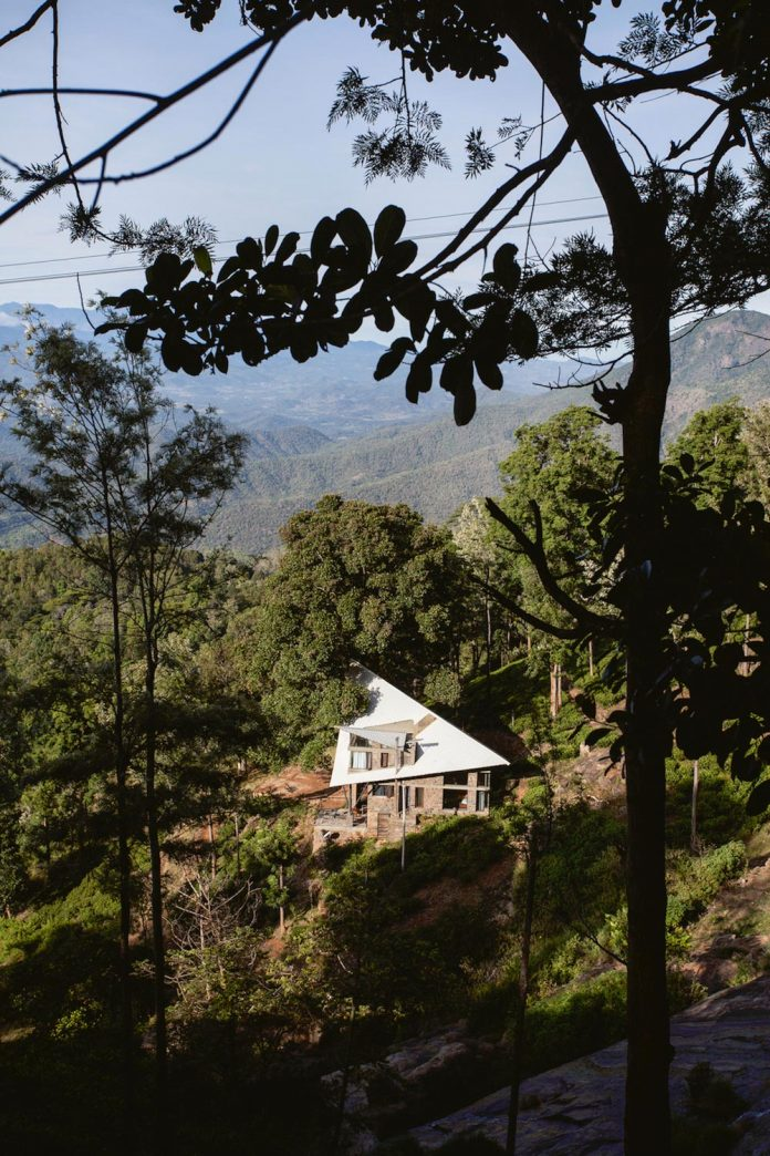 hornbill-house-located-oland-estate-tea-coffee-plantation-03