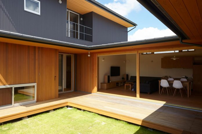house-kimitsu-located-countryside-city-okayama-fields-rice-paddies-spread-06