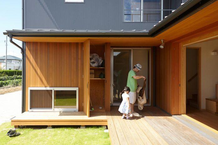 house-kimitsu-located-countryside-city-okayama-fields-rice-paddies-spread-07