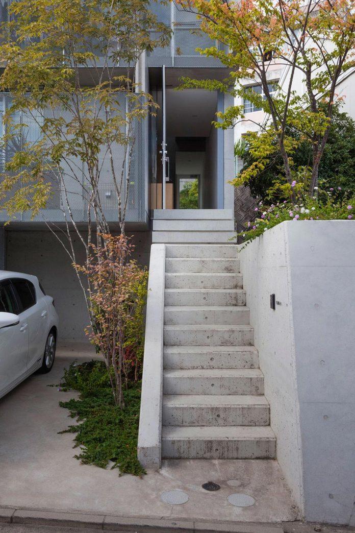 house-midorigaoka-triple-tiered-nine-twenty-two-meters-plot-land-tuck-garage-03