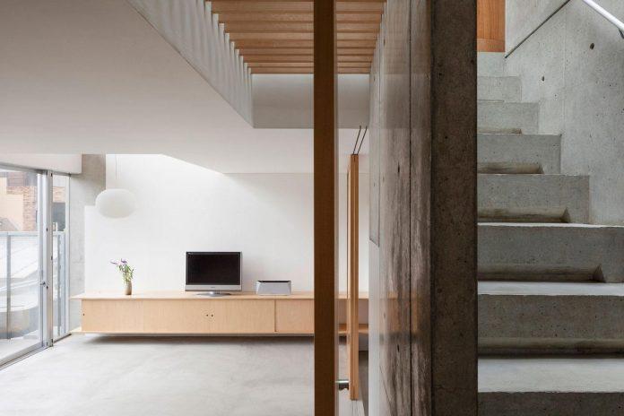 house-midorigaoka-triple-tiered-nine-twenty-two-meters-plot-land-tuck-garage-05