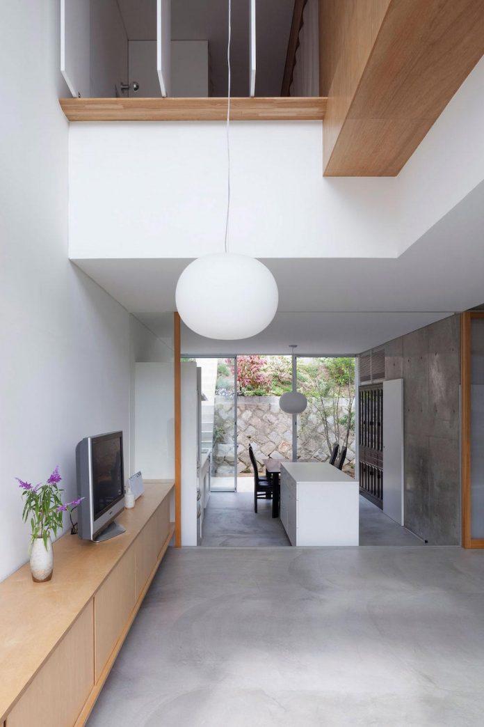 house-midorigaoka-triple-tiered-nine-twenty-two-meters-plot-land-tuck-garage-08