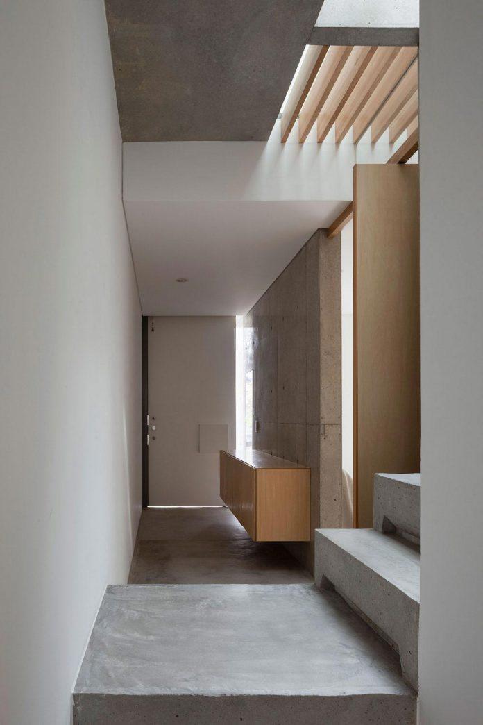 house-midorigaoka-triple-tiered-nine-twenty-two-meters-plot-land-tuck-garage-09