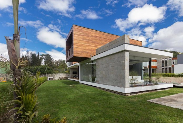 house-py-nice-big-vain-glazed-designed-modularq-arquitectura-05