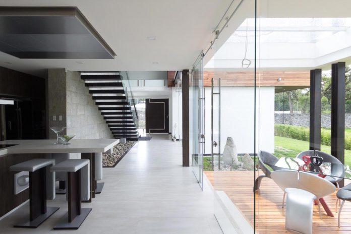 house-py-nice-big-vain-glazed-designed-modularq-arquitectura-08