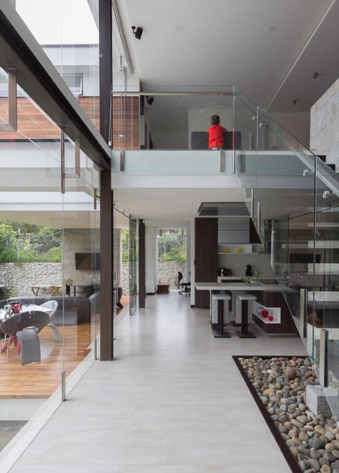 house-py-nice-big-vain-glazed-designed-modularq-arquitectura-09