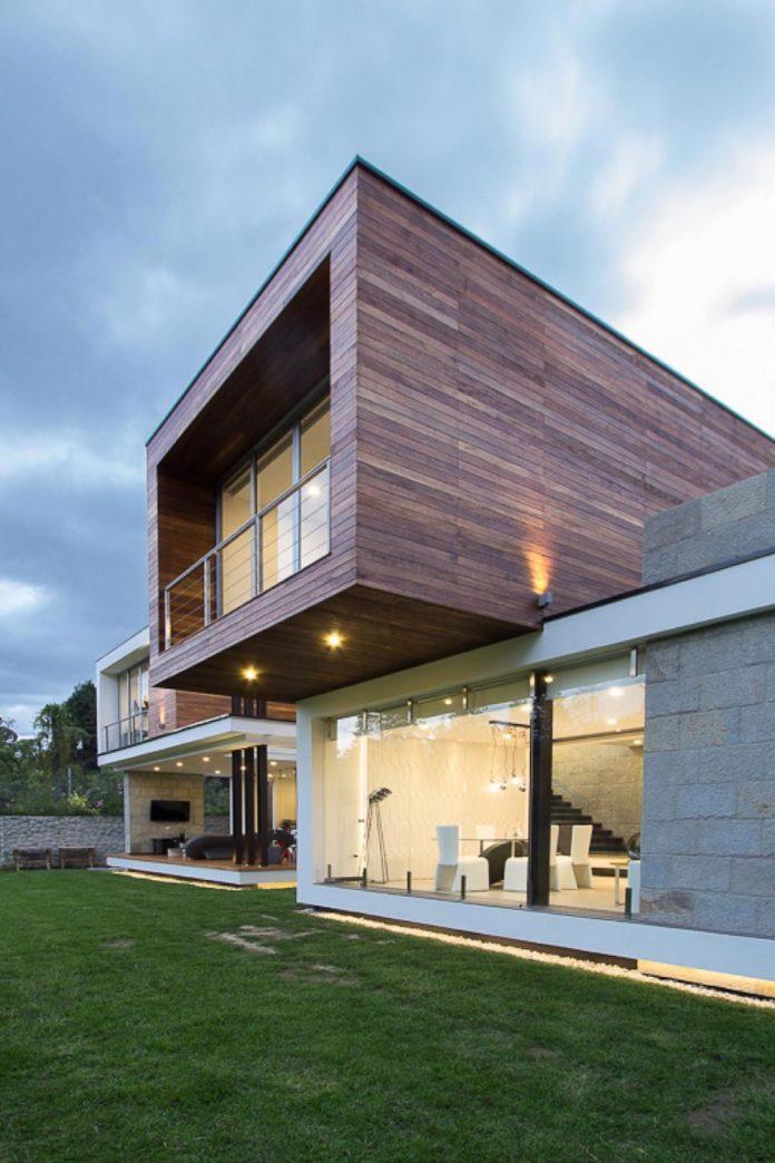 house-py-nice-big-vain-glazed-designed-modularq-arquitectura-10
