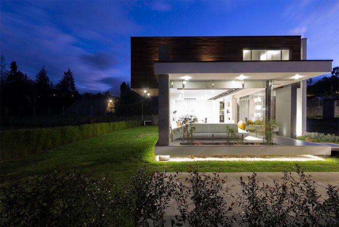 house-py-nice-big-vain-glazed-designed-modularq-arquitectura-15