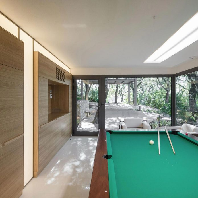 house-woods-simple-orthogonal-form-house-fits-perfectly-oak-forest-21