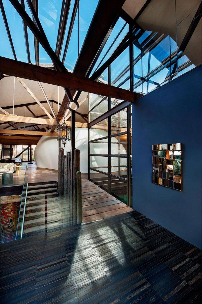 innovative-cutting-edge-modelling-fabrication-technologies-used-create-sophisticated-bespoke-retreat-10