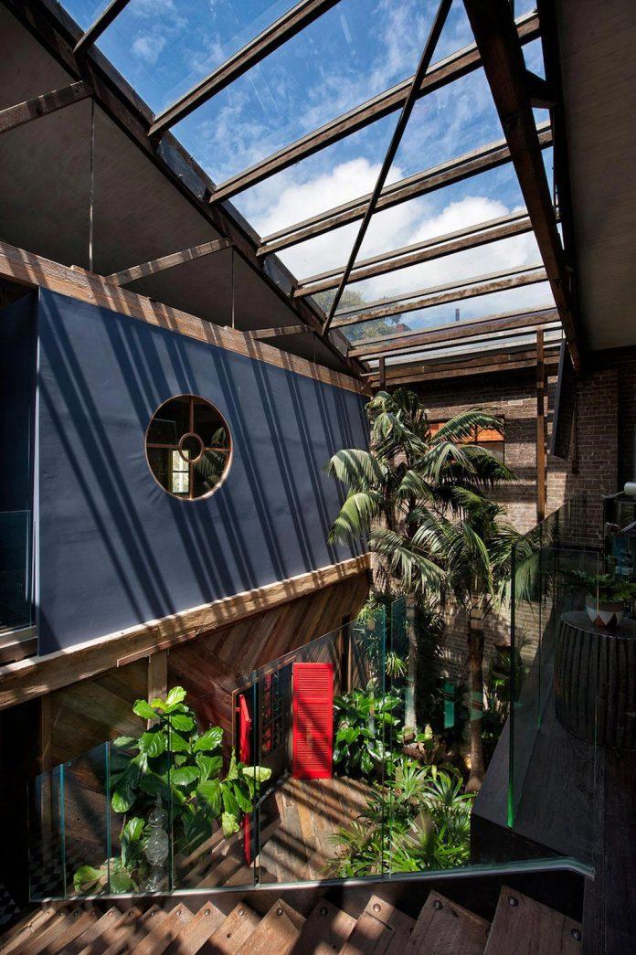 innovative-cutting-edge-modelling-fabrication-technologies-used-create-sophisticated-bespoke-retreat-12