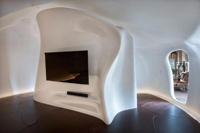 innovative-cutting-edge-modelling-fabrication-technologies-used-create-sophisticated-bespoke-retreat-15