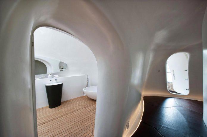 innovative-cutting-edge-modelling-fabrication-technologies-used-create-sophisticated-bespoke-retreat-16