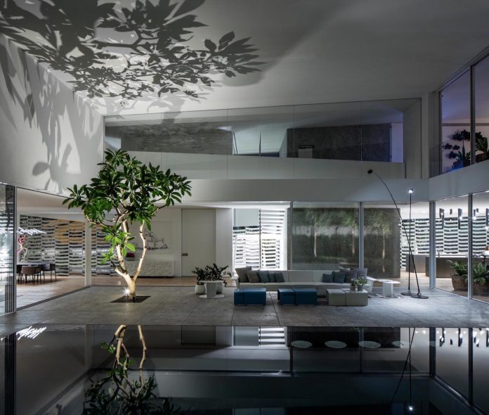 j-house-pitsou-kedem-architects-ripples-water-lines-glass-cable-rails-patches-light-become-actors-domestic-tableau-32