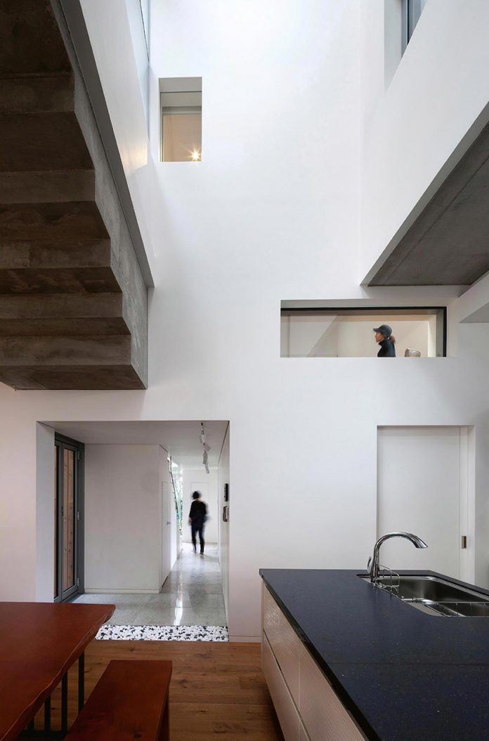 kangaroo-single-house-two-houses-within-hyunjoon-yoo-architects-06