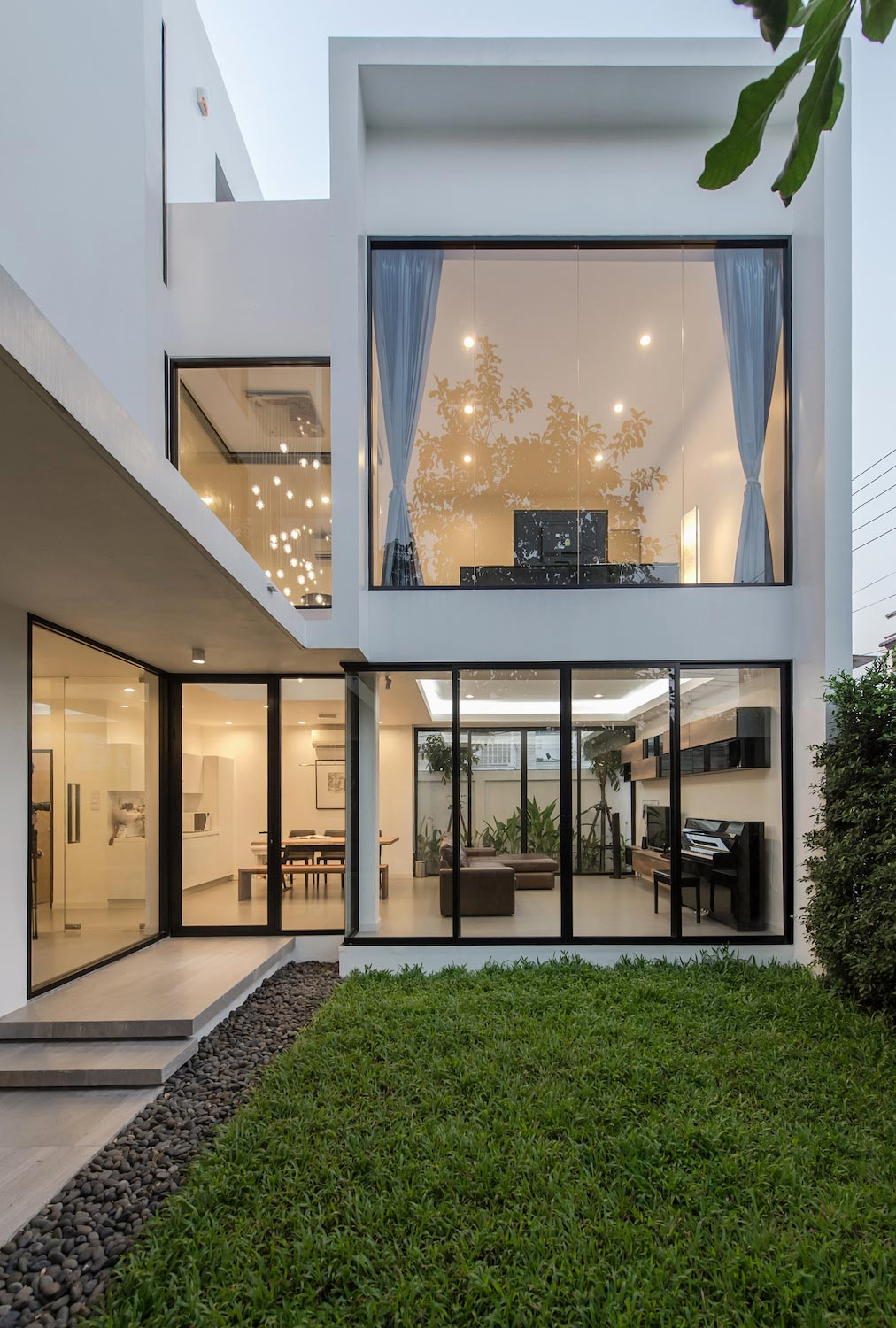 Kradoan House By Thiti Ophatsodsai Serenity With Nature