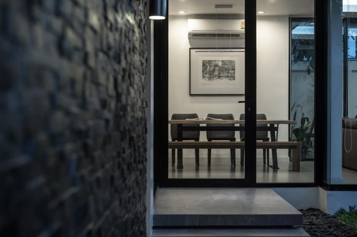 kradoan-house-thiti-ophatsodsai-serenity-nature-urban-lifestyle-bangkok-28