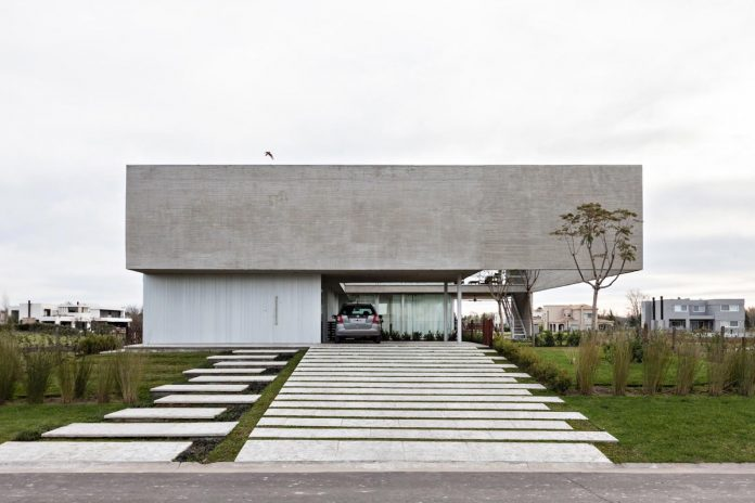 lamas-house-project-intended-criticism-type-detached-house-typical-villa-01