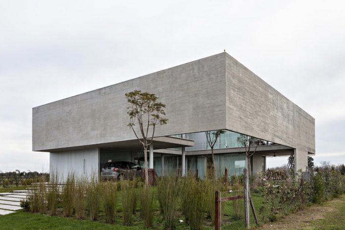 lamas-house-project-intended-criticism-type-detached-house-typical-villa-02