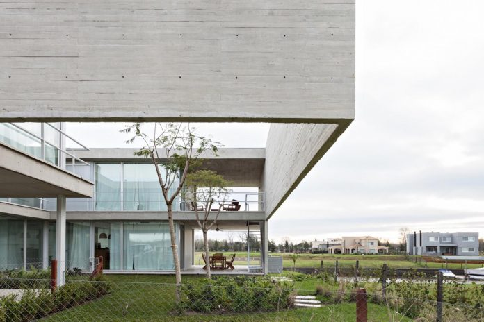 lamas-house-project-intended-criticism-type-detached-house-typical-villa-04