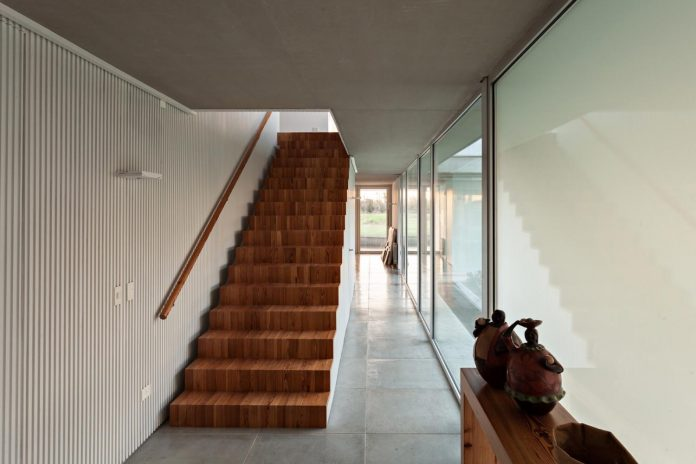 lamas-house-project-intended-criticism-type-detached-house-typical-villa-08