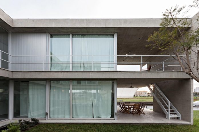 lamas-house-project-intended-criticism-type-detached-house-typical-villa-11
