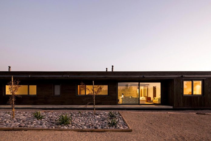 laminated-wood-main-structural-material-th-house-located-5000-sqm-plot-near-santiago-de-chile-12