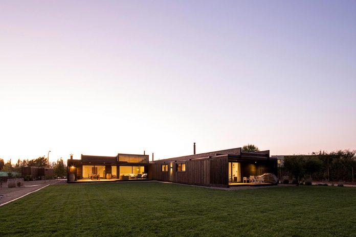 laminated-wood-main-structural-material-th-house-located-5000-sqm-plot-near-santiago-de-chile-13