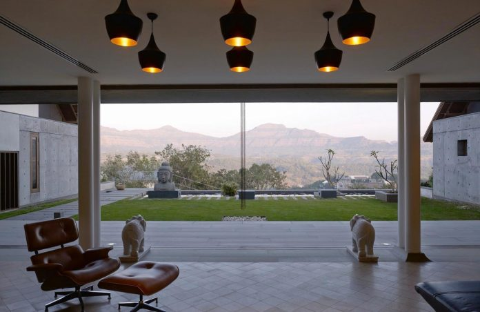 large-weekend-getaway-house-joint-family-consisting-three-smaller-villas-01