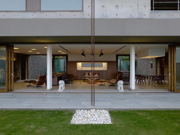 large-weekend-getaway-house-joint-family-consisting-three-smaller-villas-02