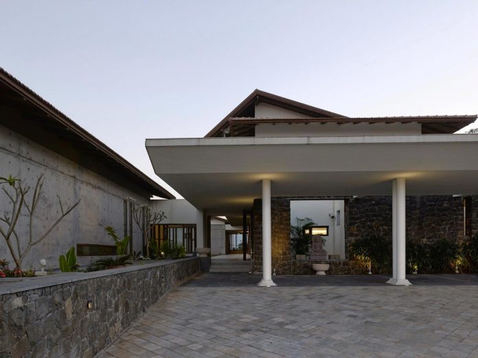 large-weekend-getaway-house-joint-family-consisting-three-smaller-villas-03
