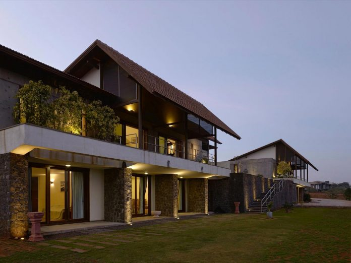 large-weekend-getaway-house-joint-family-consisting-three-smaller-villas-05