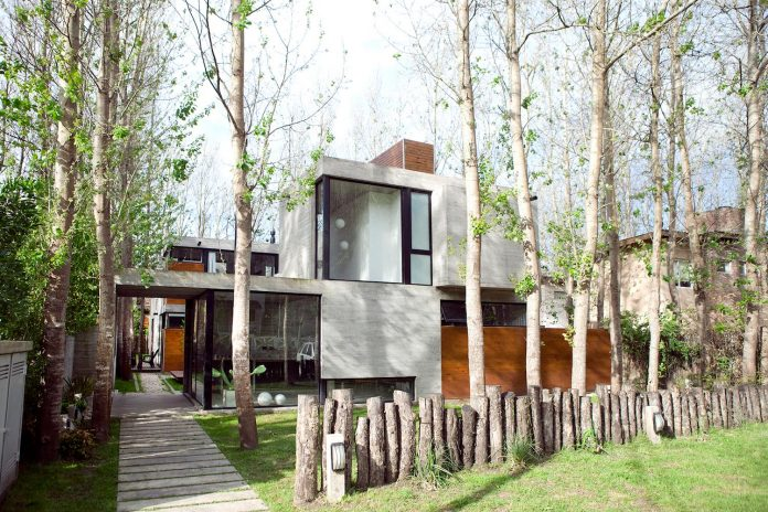 las-gaviotas-set-residence-located-dense-young-poplar-plantation-300-meters-beach-01