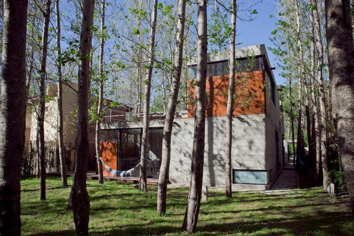 las-gaviotas-set-residence-located-dense-young-poplar-plantation-300-meters-beach-04