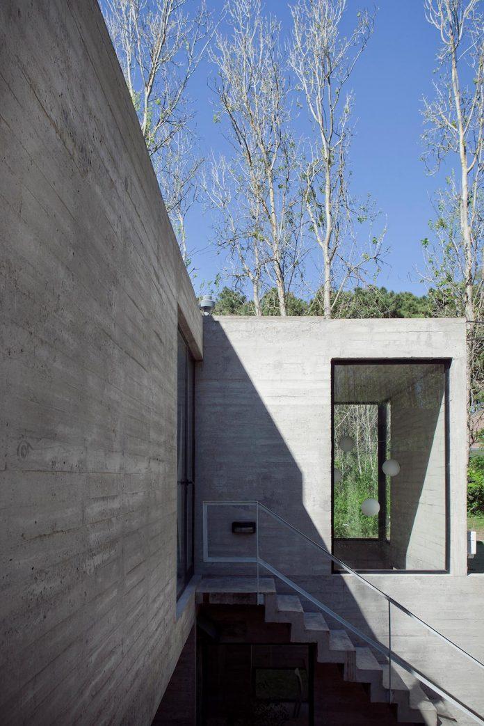las-gaviotas-set-residence-located-dense-young-poplar-plantation-300-meters-beach-06