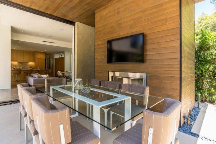 luxurious-shelter-open-air-resort-idyllic-brentwood-cul-de-sac-conceived-marmol-radziner-04