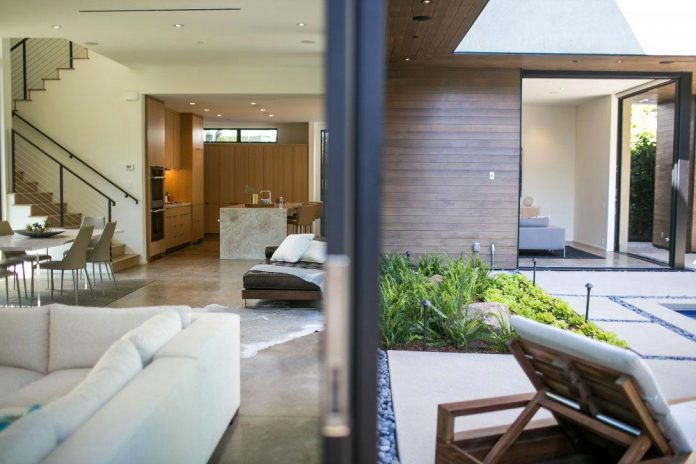 luxurious-shelter-open-air-resort-idyllic-brentwood-cul-de-sac-conceived-marmol-radziner-06
