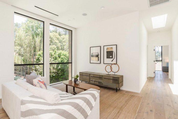 luxurious-shelter-open-air-resort-idyllic-brentwood-cul-de-sac-conceived-marmol-radziner-10