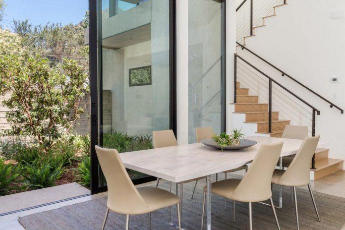 luxurious-shelter-open-air-resort-idyllic-brentwood-cul-de-sac-conceived-marmol-radziner-13