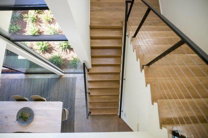 luxurious-shelter-open-air-resort-idyllic-brentwood-cul-de-sac-conceived-marmol-radziner-14