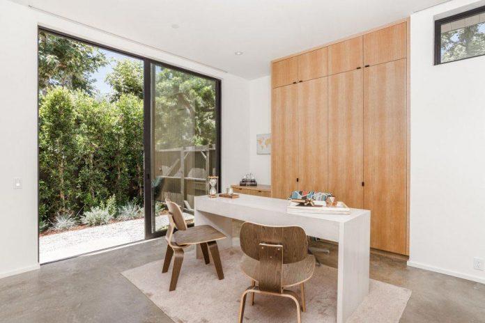 luxurious-shelter-open-air-resort-idyllic-brentwood-cul-de-sac-conceived-marmol-radziner-19