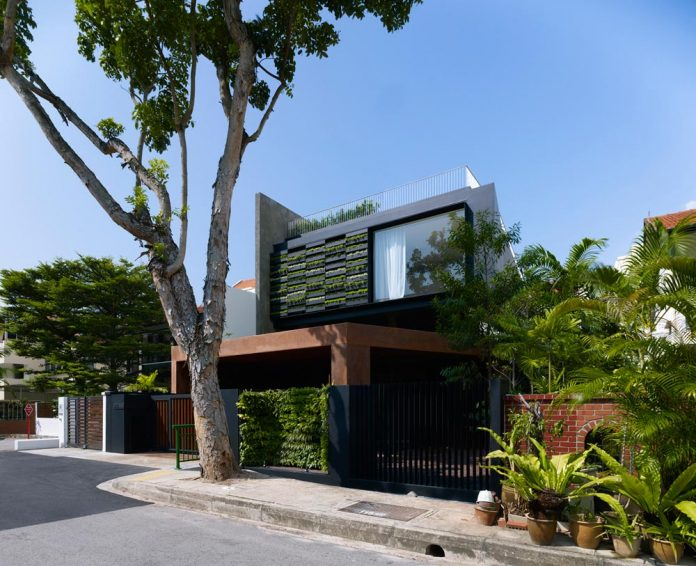 maximum-garden-house-located-singapore-designed-formwerkz-architects-01