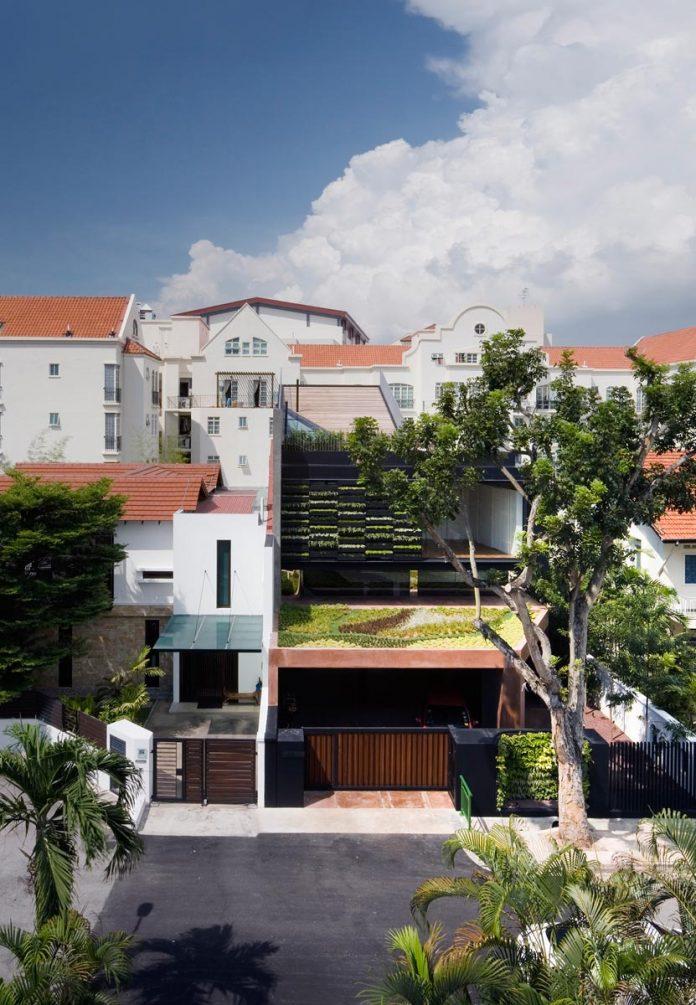 maximum-garden-house-located-singapore-designed-formwerkz-architects-02