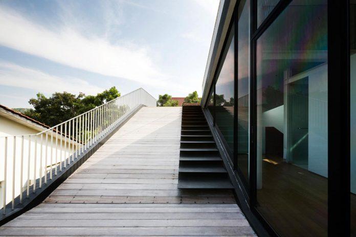 maximum-garden-house-located-singapore-designed-formwerkz-architects-06