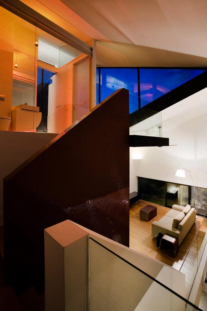 maximum-garden-house-located-singapore-designed-formwerkz-architects-11