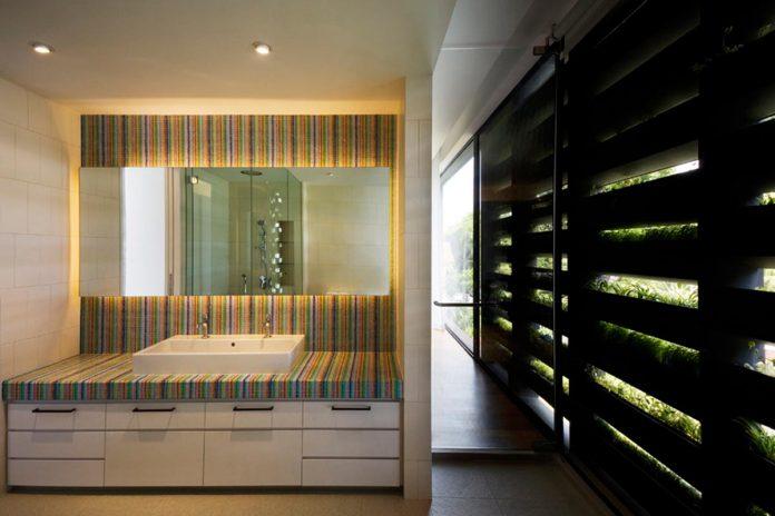 maximum-garden-house-located-singapore-designed-formwerkz-architects-13