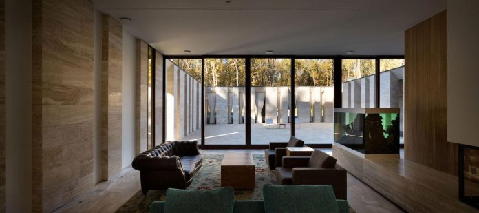 modern-house-peristyle-located-oak-tree-forest-homogenous-structure-05